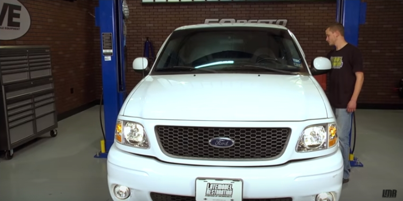 How To Install SVT Ford Lightning Fog Lights (99-00) - How To Install SVT Ford Lightning Fog Lights (99-00)