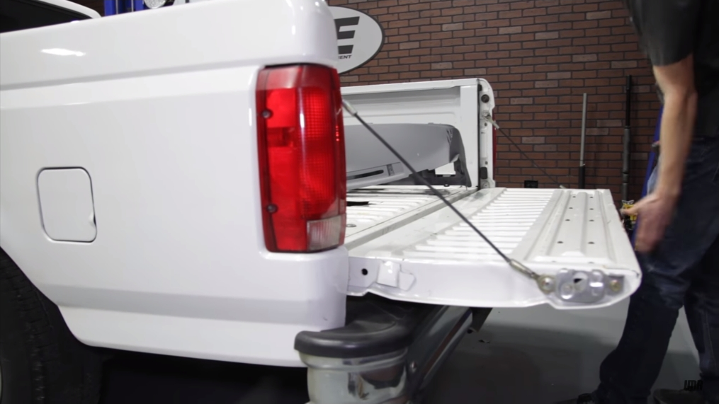 How To Install Ford Lightning Tail Lights (93-95) - How To Install Ford Lightning Tail Lights (93-95)