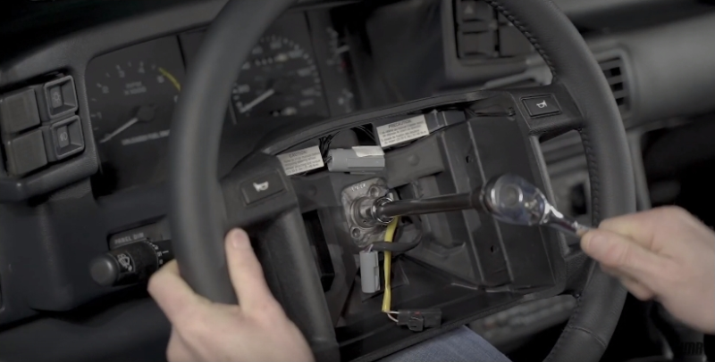 How To Remove & Install 93 Cobra Steering Wheel - How To Remove & Install 93 Cobra Steering Wheel