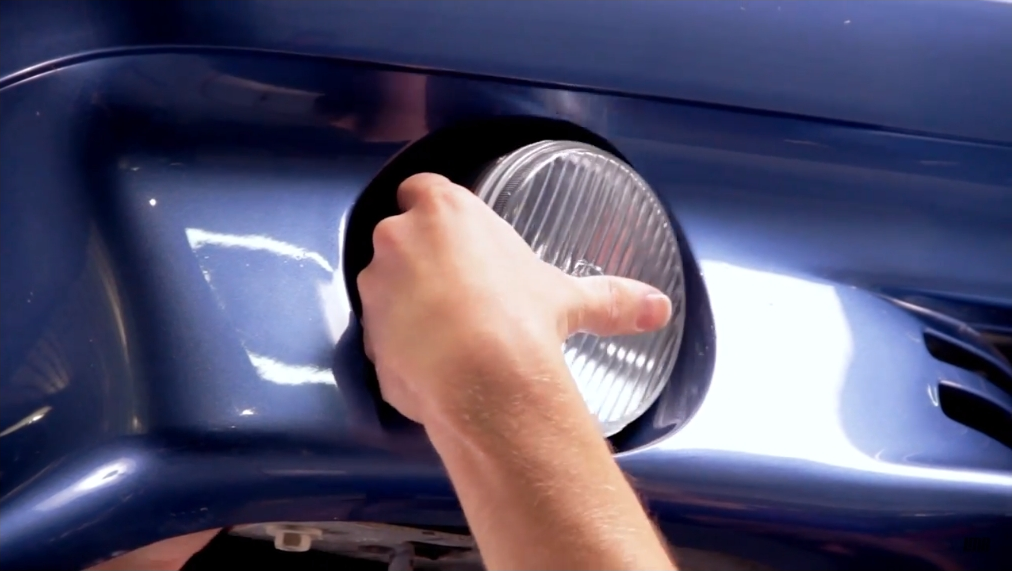 How To Install Fox Body Mustang GT Fog Light Bulbs (87-93)  - How To Install Fox Body Mustang GT Fog Light Bulbs (87-93)