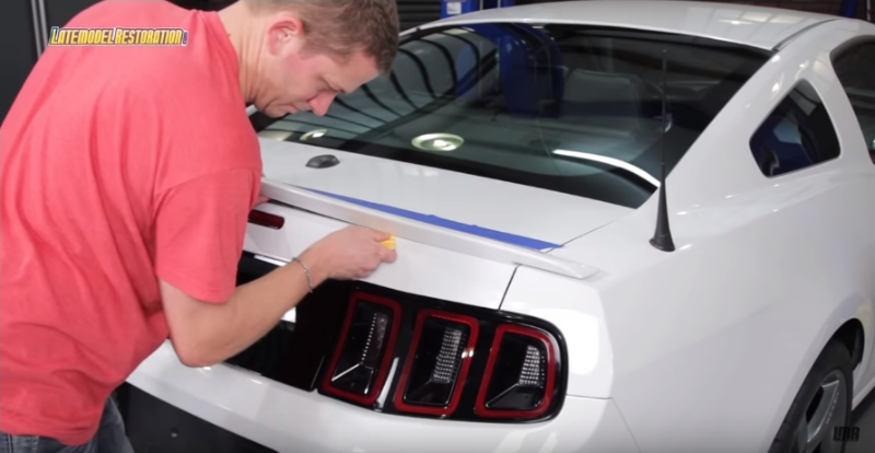 How To Install Roush Mustang Rear Spoiler (10-14) - How To Install Roush Mustang Rear Spoiler (10-14)