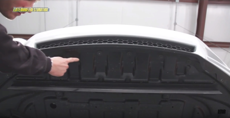 How To Install Roush Mustang Upper Grille (13-14) - How To Install Roush Mustang Upper Grille (13-14)
